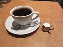 横浜中華街の純喫茶ブラジルでブラックコーヒー