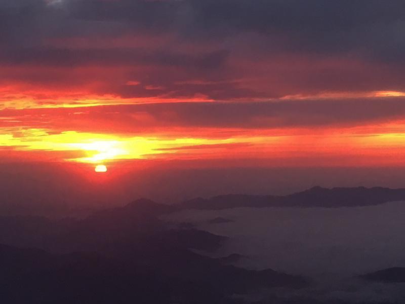 富士山8合目からの ご来光