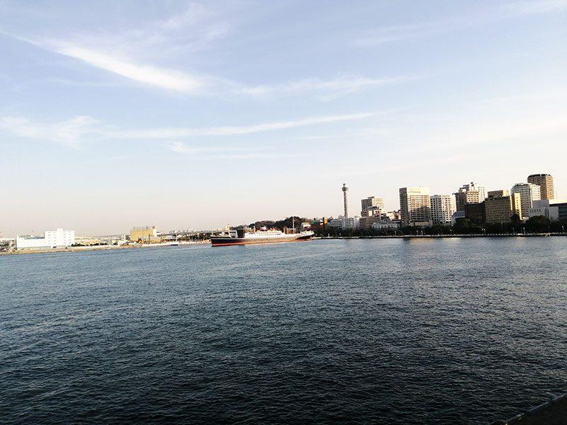 大桟橋から 山下公園を見る