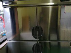 福島工業冷蔵冷凍庫 変な音がする
