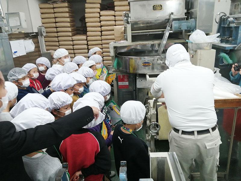 麺 工場見学