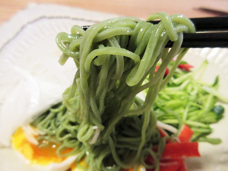 緑の麺 翡翠麺って何?